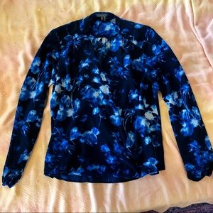 Vince camuto blouse (size small)